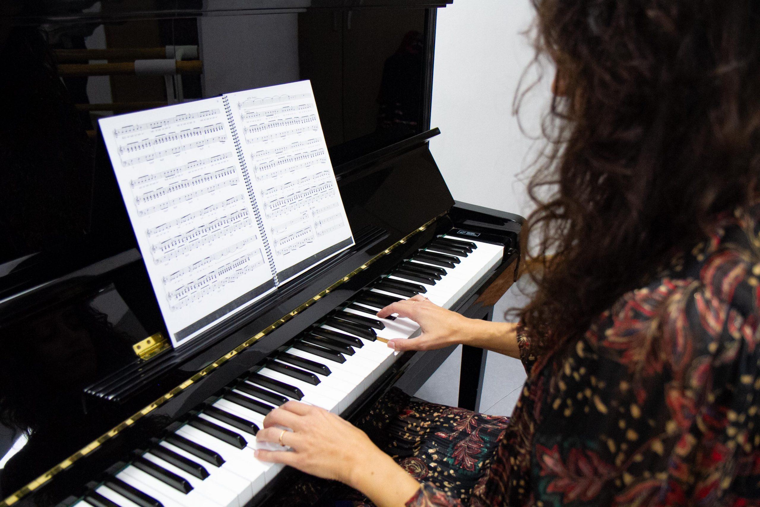 escuela_musica_Barcelona_Piano_Sabrina