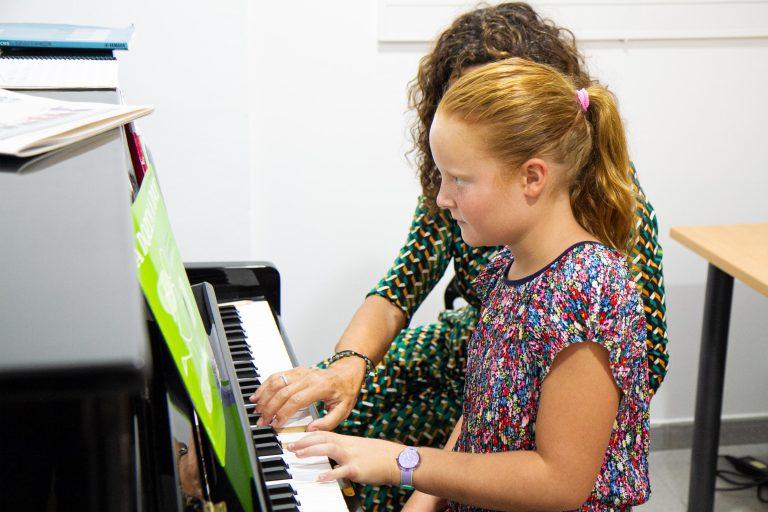 escuela_musica_Barcelona_Piano_escola_esclat