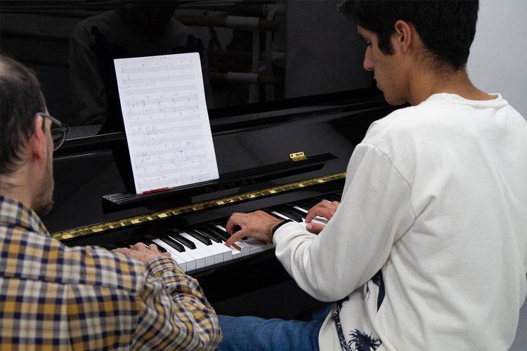 escuela_musica_Barcelona_piano_clase